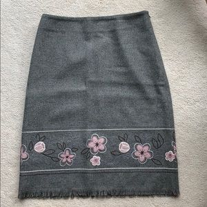 Gray skirt with floral pattern